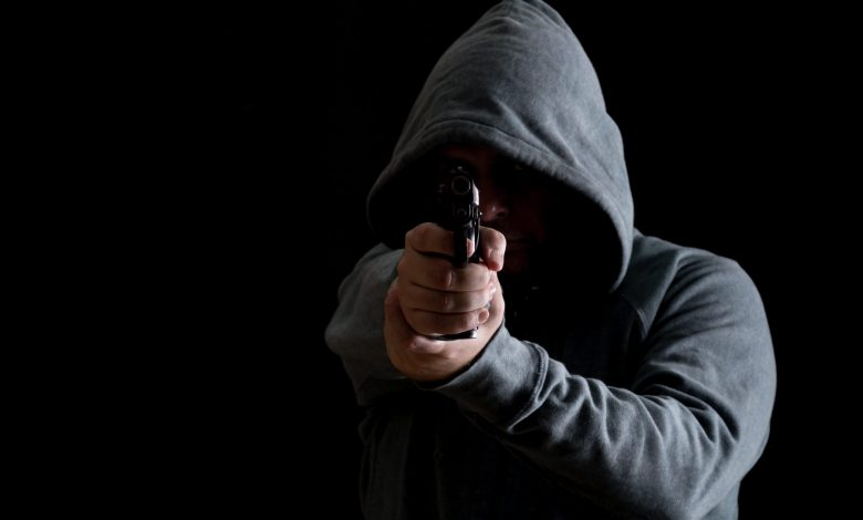 "Photo of בן 29 מאילת נעצר בחשד לניסיון חיסול שאירע בכיכר ""הנבל"" באילת לפני חודש וחצי, כשנורו יריות לעבר רכב פרטי. הרקע: סכסוך עבריינים"