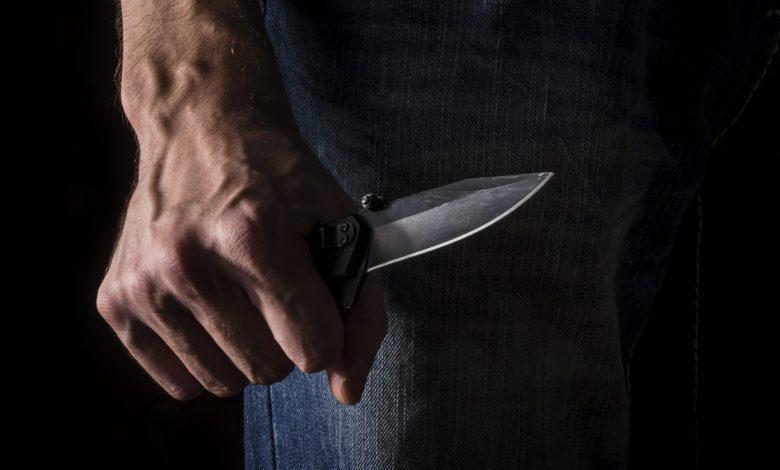 Photo of חשד לניסיון רצח ברובע ח' באשדוד: גבר נדקר לפני זמן קצר ברחוב שדרות הפרחים ומצבו קשה