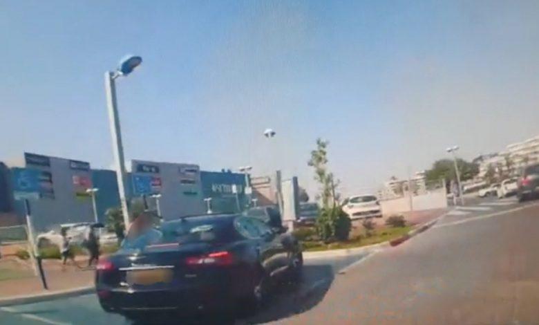 Photo of נהג נעצר באילת לאחר שנתפס נוהג בפסילה, בפעם השביעית! ועוד הסיע פעוטה ללא מושב בטיחות