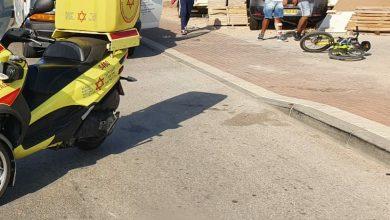 Photo of ילד בן 5 נהרג לאחר שנפגע ממשאית בזמן שרכב על אופניו ברחוב זבולון באשקלון