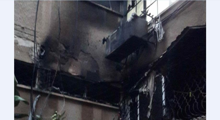 Photo of דרמה הלילה ברחוב הטייסים בחולון: שריפה פרצה בבניין קומות, לוחמי האש חילצו 7 לכודים, מהם שניים בחילוץ דרמטי שהציל את חייהם