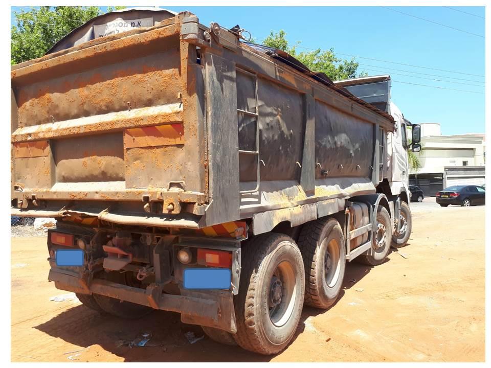 Photo of תפיסת משאית שופכת פסולת בשעריה