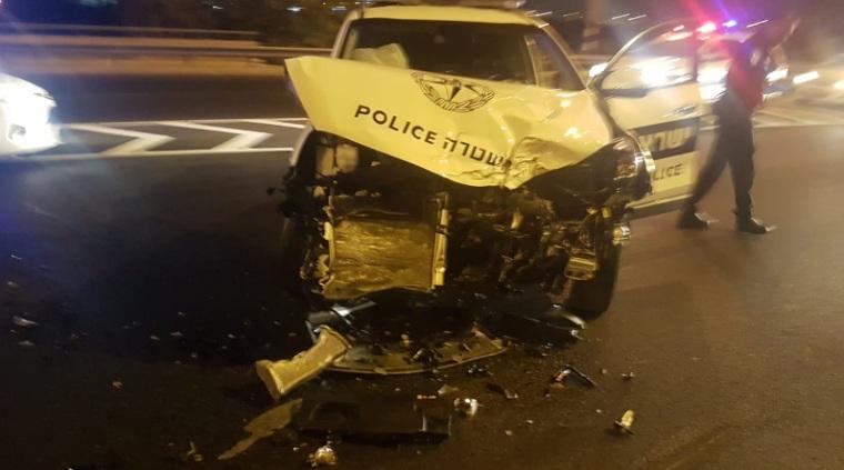"""Photo of מרדף דרמטי אחר גנב רכב בראשל""""צ נגמר רע עבור ניידת המשטרה וגם עבור הגנב"""