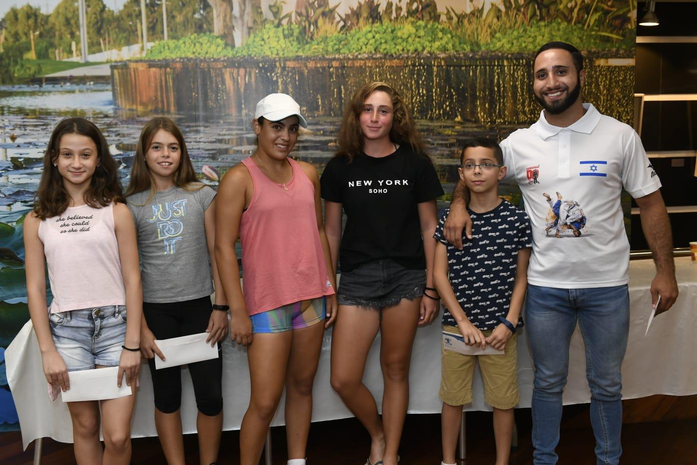 Photo of עיריית ראשון לציון חילקה מלגות לספורטאים צעירים