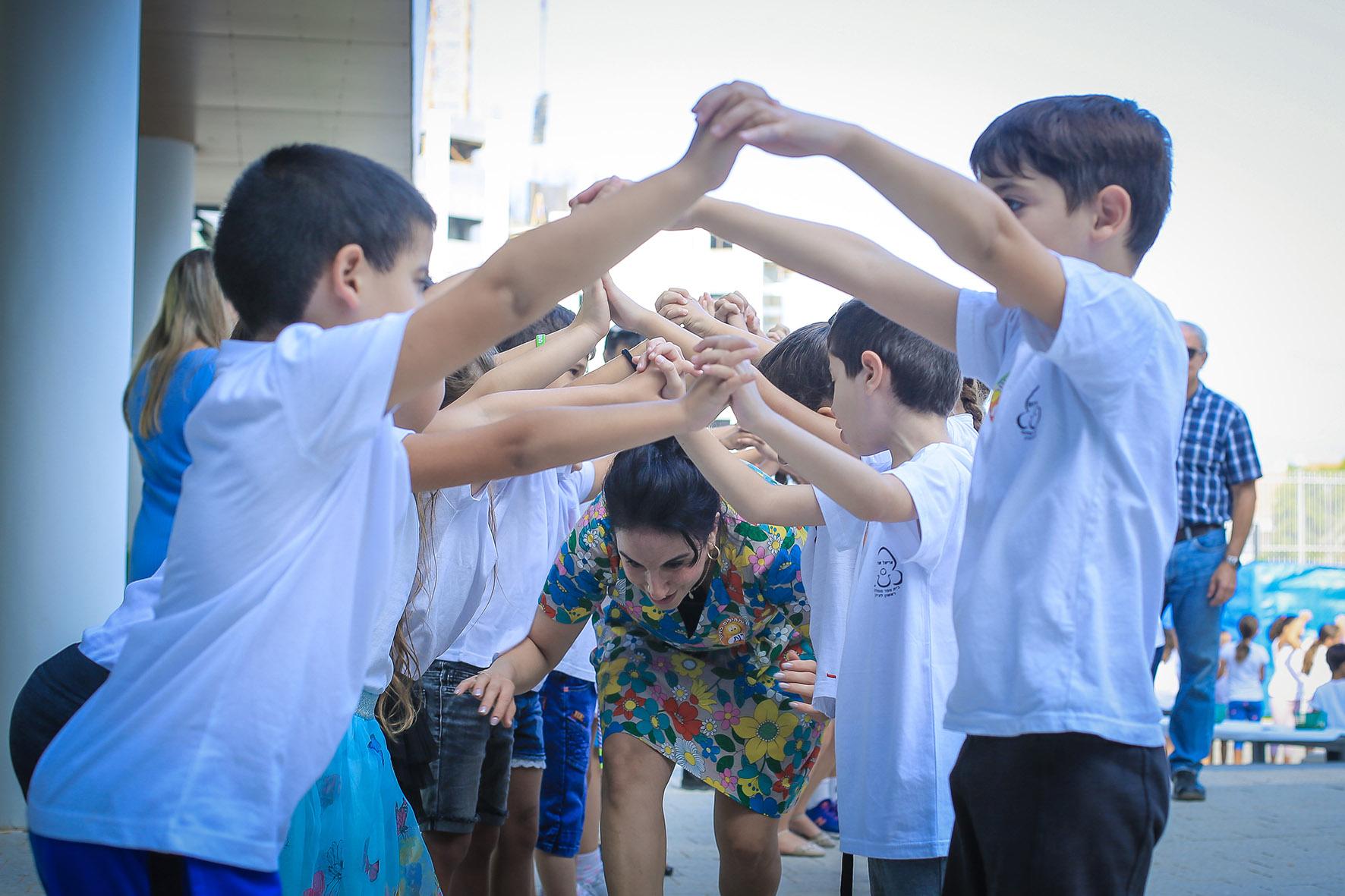 Photo of שנת הלימודים בראשון לציון נפתחה כסדרה