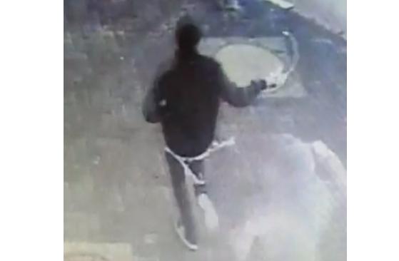 Photo of בני ברק: 3 בני נוער תקפו באכזריות נהג אוטובוס וברחו, לאחר שעלו וסירבו לשלם