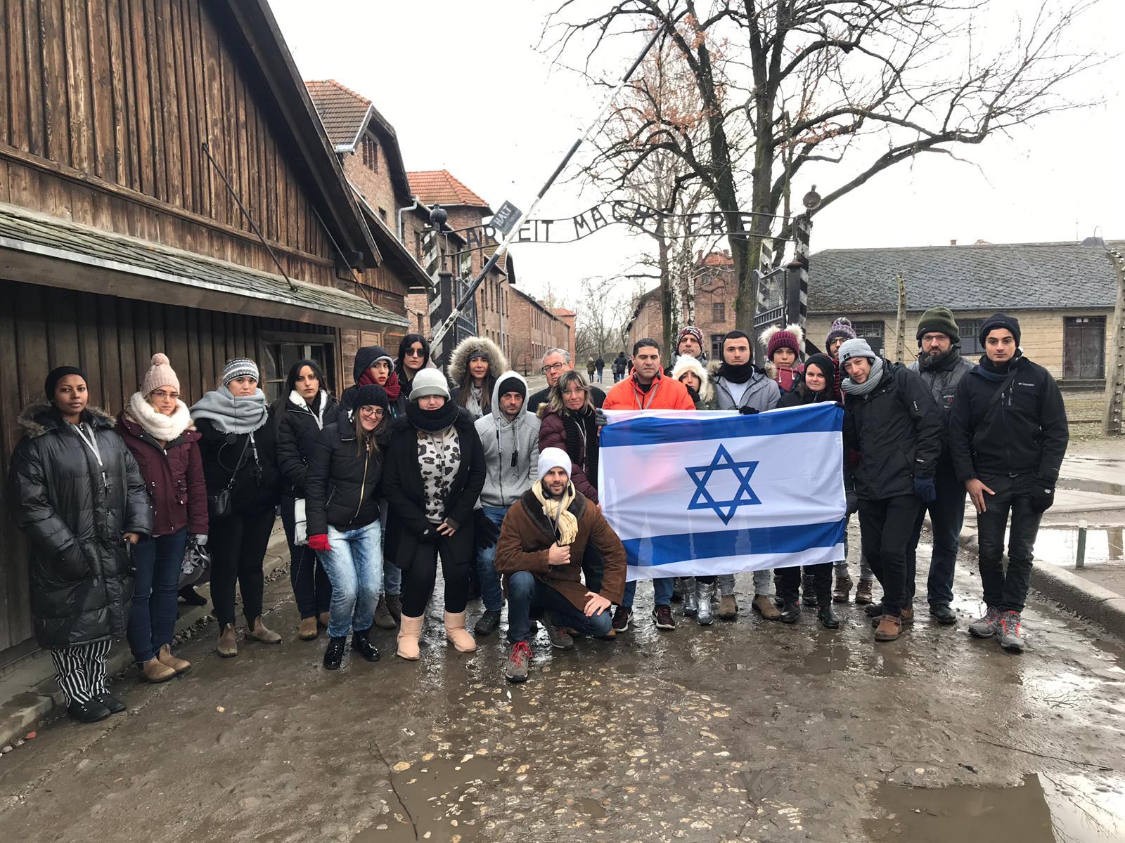 Photo of נציגי המשלחת השנתית לפולין של אגודת הסטודנטיות והסטודנטים של האוניברסיטה הפתוחה חזרו נרגשים ועמוסים חוויות מטלטלות