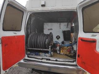 """Photo of צפו: """"תחנת דלק"""" פיראטית בתוך רכב"""