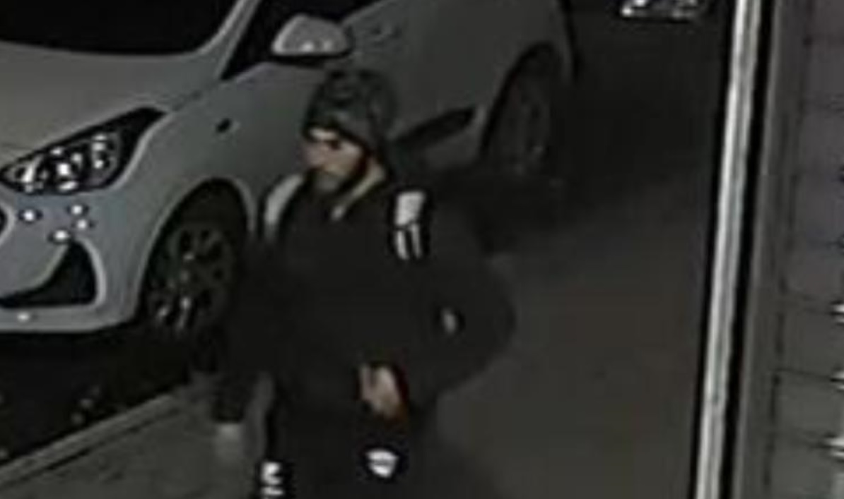 """Photo of מי מכיר את הצעיר בתמונה, שביצע באמצע הרחוב מעשים מגונים באישה, ביום שישי האחרון בפלורנטין ת""""א?"""