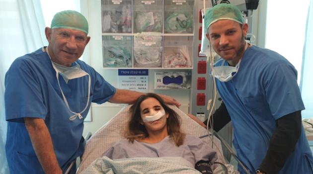 אחרי הניתוח עם דר רוני מוסקונה ואורי מוסקונה. קורל