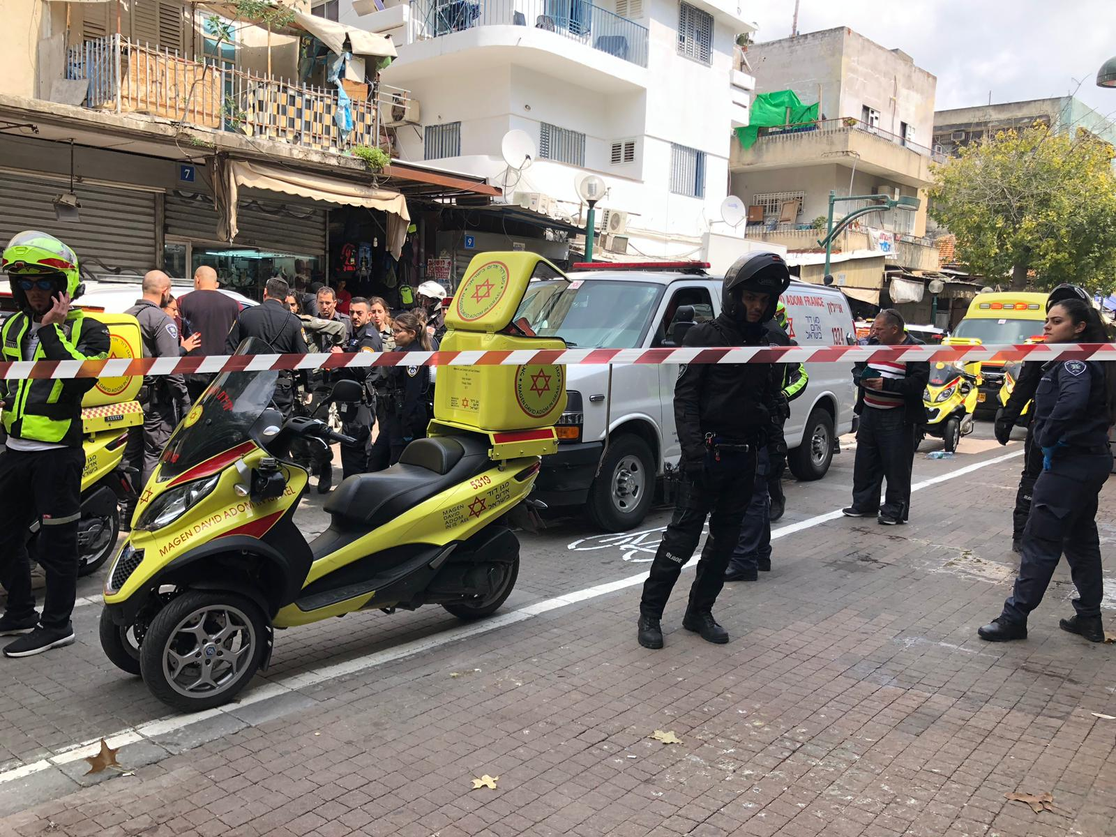 Photo of שני עובדים זרים נפצעו מדקירות במהלך קטטה שפרצה בנווה שאנן בתל אביב. נעצר חשוד במעשה