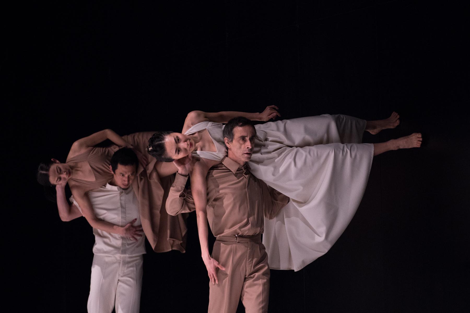 Photo of יצירה חדשה לכוריאוגרפית סשה וולץ – קונטינו – תגיע במאי לבית האופרה בתל אביב