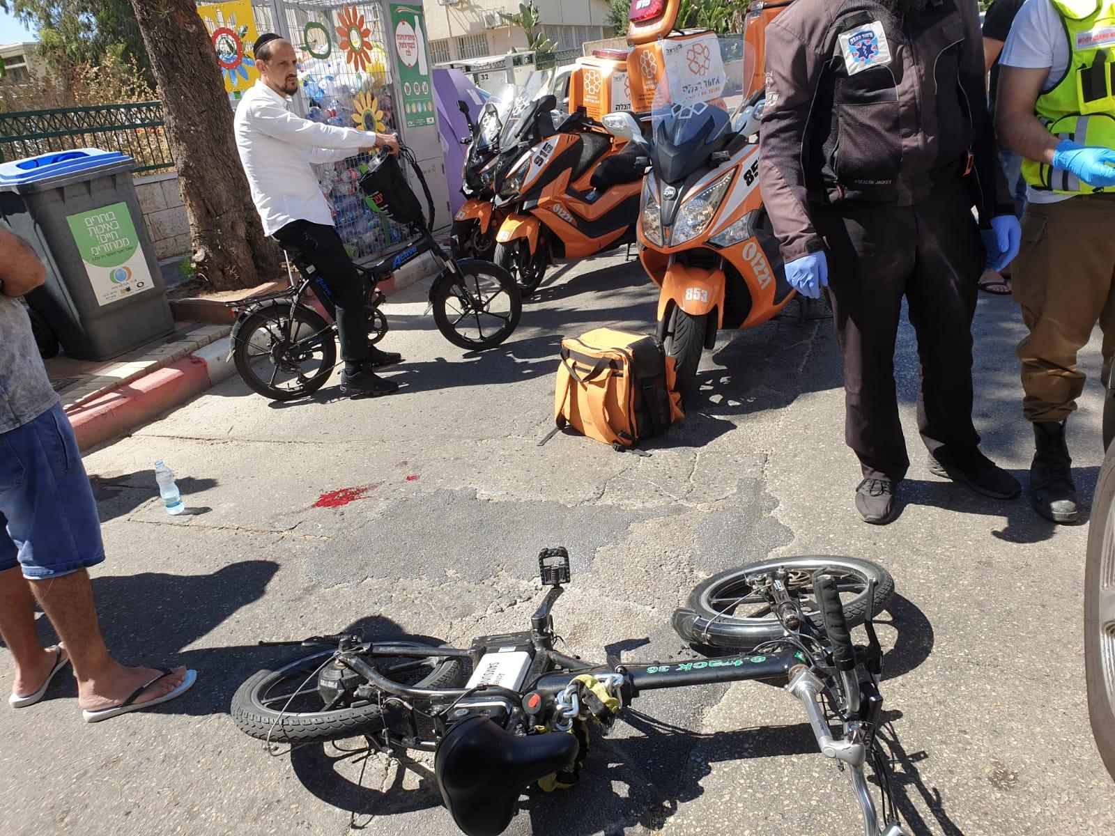 Photo of בן 13 נפצע בבת ים כתוצאה מתאונה עם מעורבות אופניים חשמליים ורכב פרטי