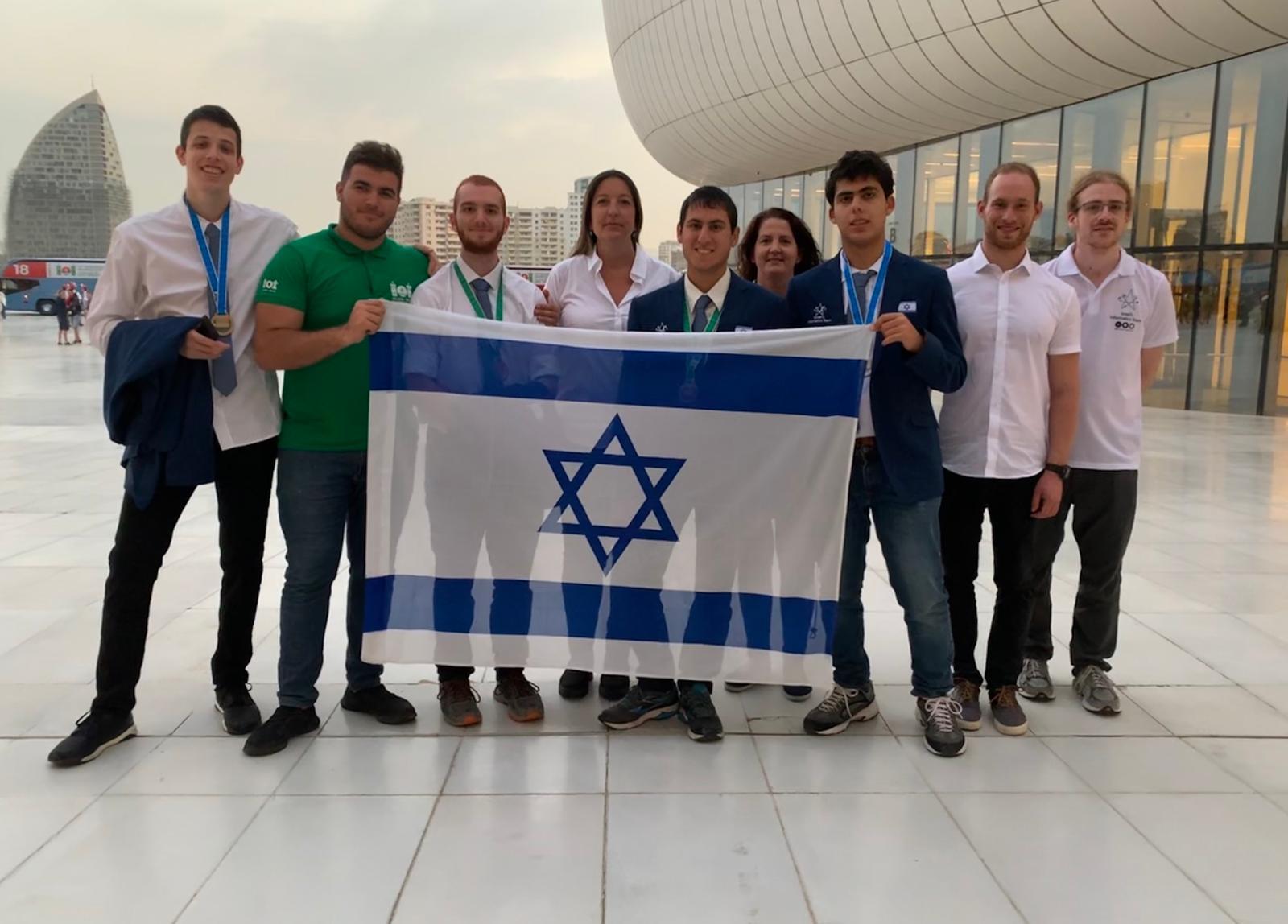 Photo of מדליות כסף וארד אולימפיות לנבחרת ישראל במדעי המחשב
