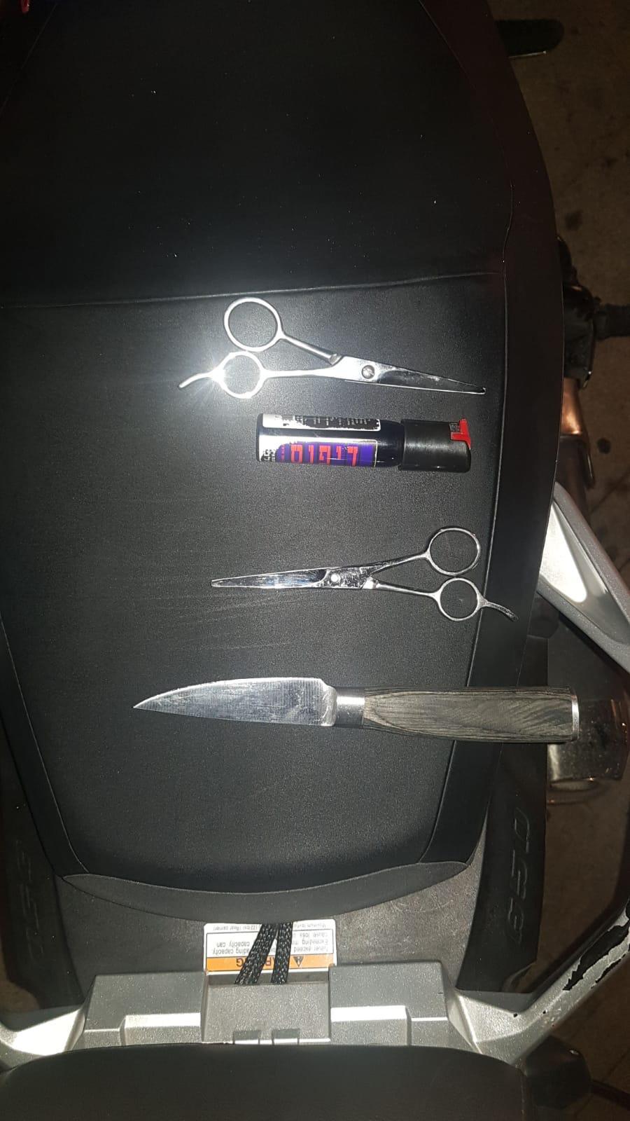 Photo of נתפסה מנקבת הצמיגים הסדרתית שהטילה אימתה על נהגי תל אביב (אחד מהם: רני רהב). הסיבה למעשים עוד לא ידועה