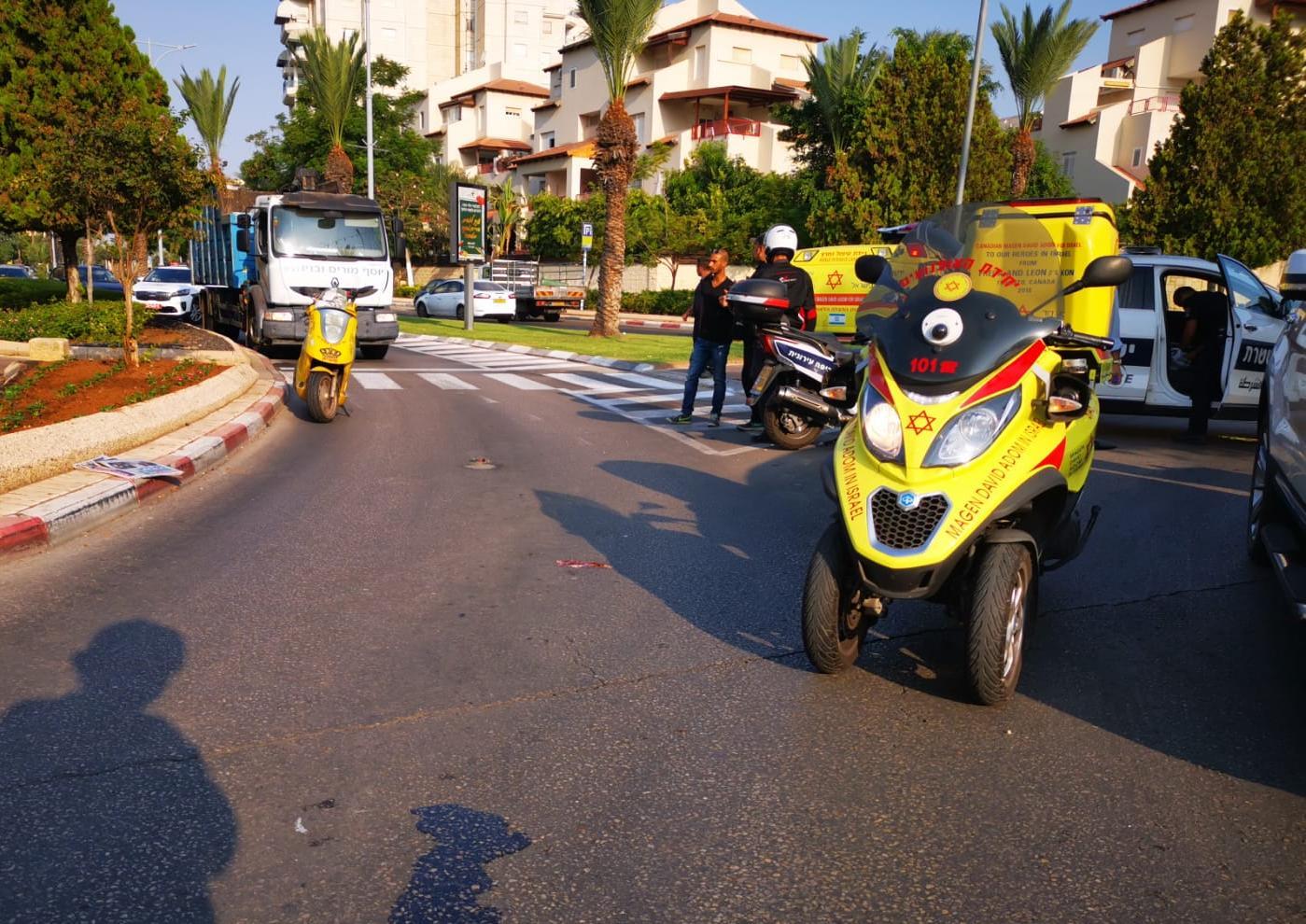 Photo of תאונת פגע וברח בשדרות בן גוריון באור יהודה. בן 60 במצב קשה מאוד. סריקות אחר הרכב הפוגע