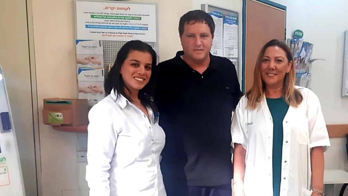 """Photo of ראש עיריית פתח תקווה, רמי גרינברג, קיבל חסינות…מפני שפעת במרפאת """"כללית"""" בסירקין"""