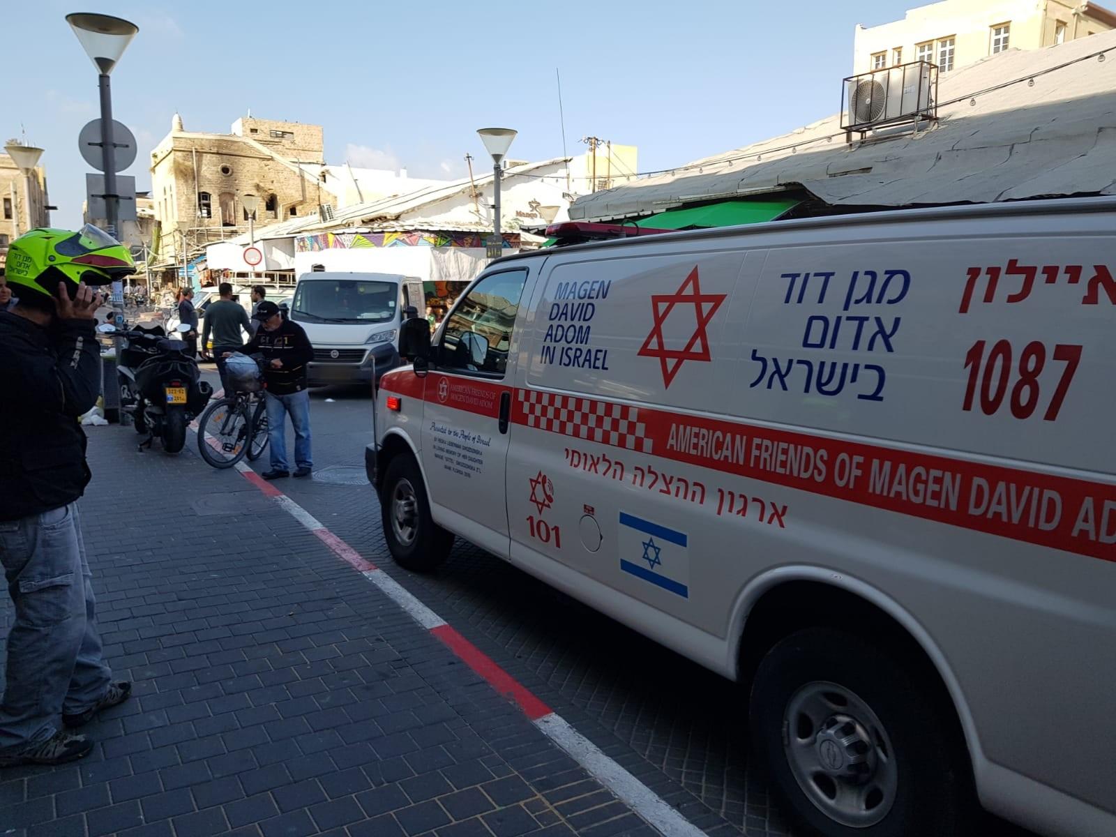 Photo of הולך רגל כבן 60 במצב אנוש, לאחר שנפגע מרכב פרטי ברחוב עולי ציון בתל אביב