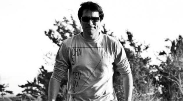 רן כרמי בוזגלו. מגיע למחות בחולון, עיר הולדתו. אלבום פרטי