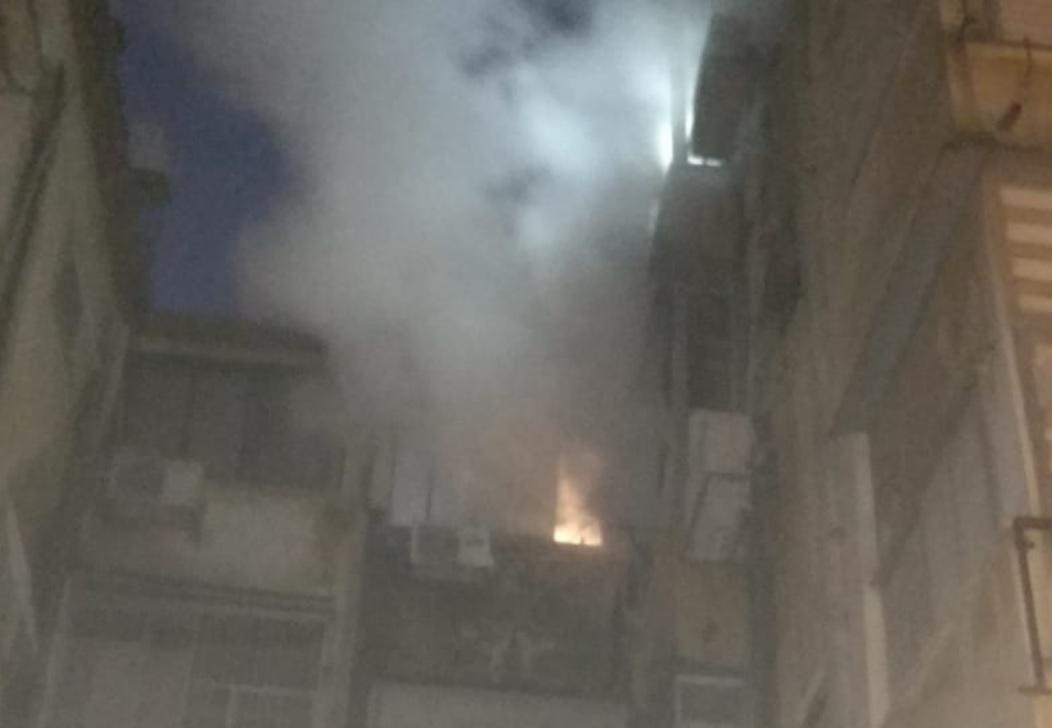 """Photo of חילוץ דרמטי לפנות בוקר של דיירי מספר דירות ברחוב חובבי ציון בפ""""ת, שבתיהם עלו באש"""