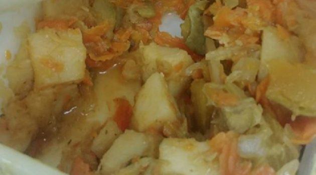 """ככה נראה האוכל שמקבלים ילדי צהרוני """"בית עמנואל"""" בר""""ג. צילום: שירי בלום"""