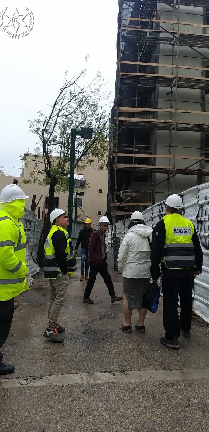Photo of צפו: עשרות אתרי בנייה ברחבי העיר תל אביב נסגרו אתמול (א') בשל ליקויי בטיחות שנתגלו בהם