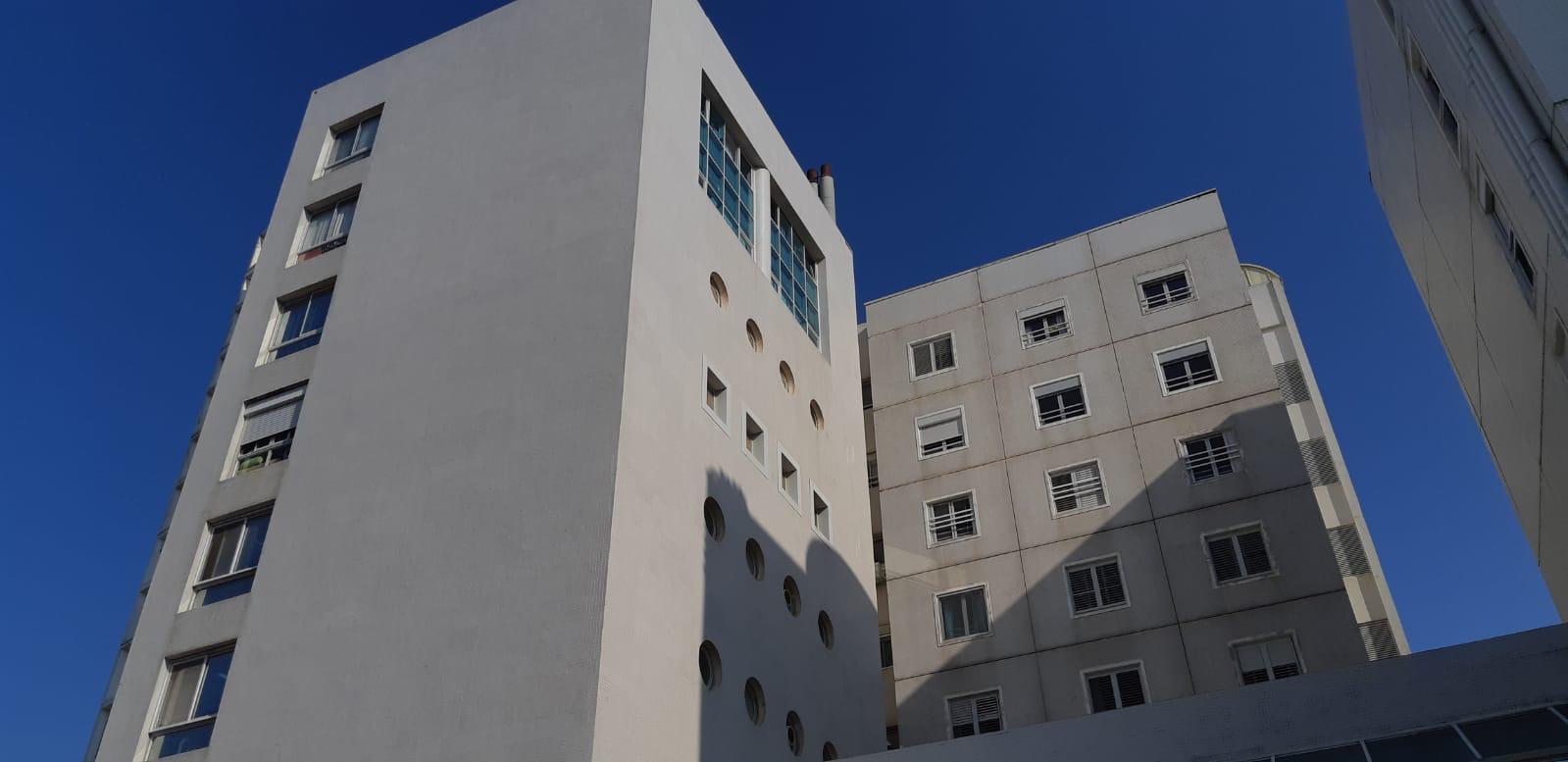 Photo of רגעי חרדה הבוקר בבית אבות ברחוב אברהם שלונסקי 6 בתל אביב בעקבות שריפה שפרצה בבניין, אחת הדיירות פונתה במצב קל