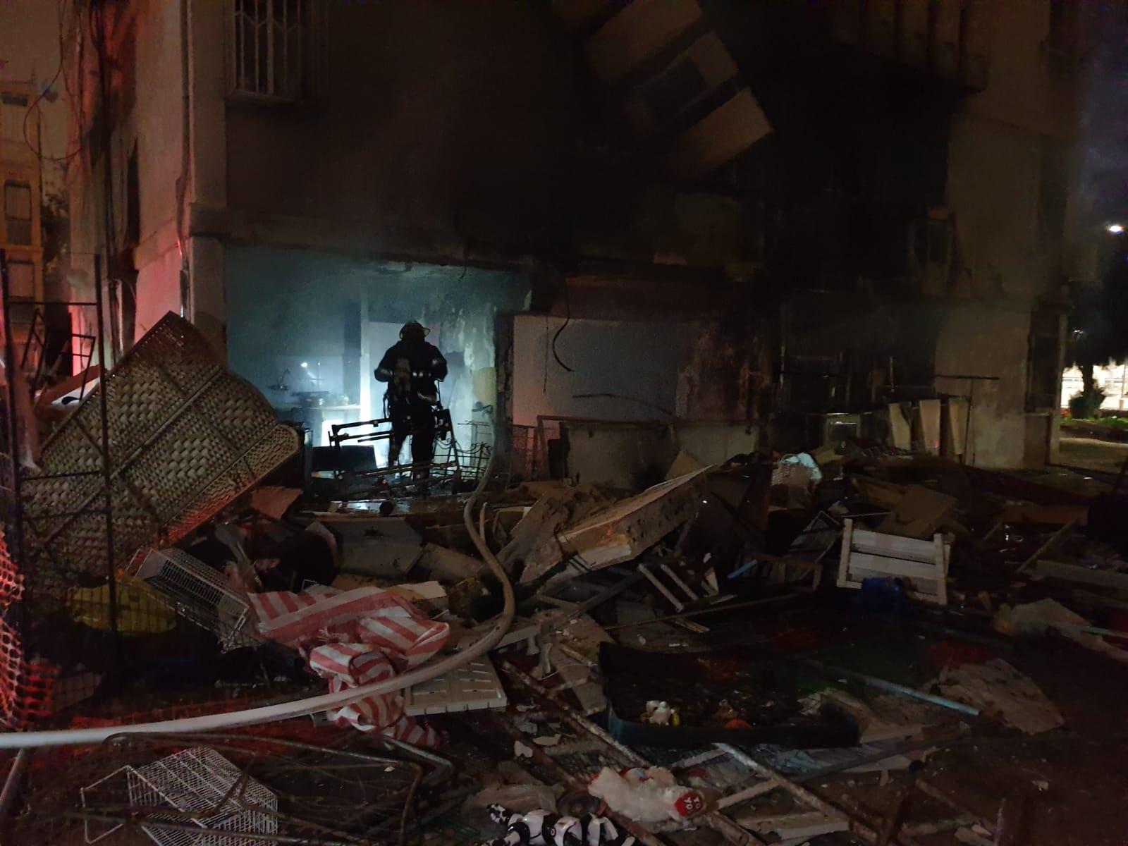 Photo of בן 57 נכווה בפיצוץ בלון גז בבניין באשדוד