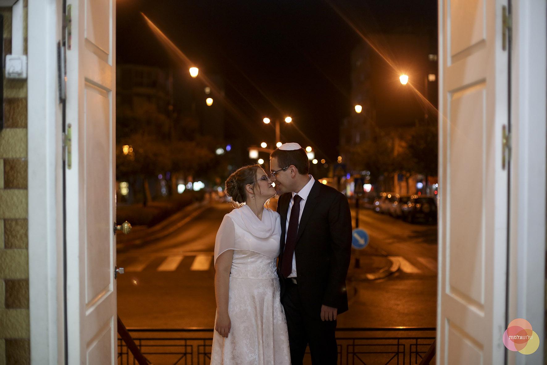 Photo of גם בצל התפשטות הקורונה: עיריית ראשון לציון מסייעת לזוגות להתחתן