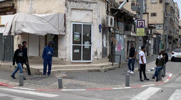 החיים כרגיל בקרב אוכלוסיית הזרים בדרום תל אביב. צילום: פעילי החזית לשחרור דרום תל אביב
