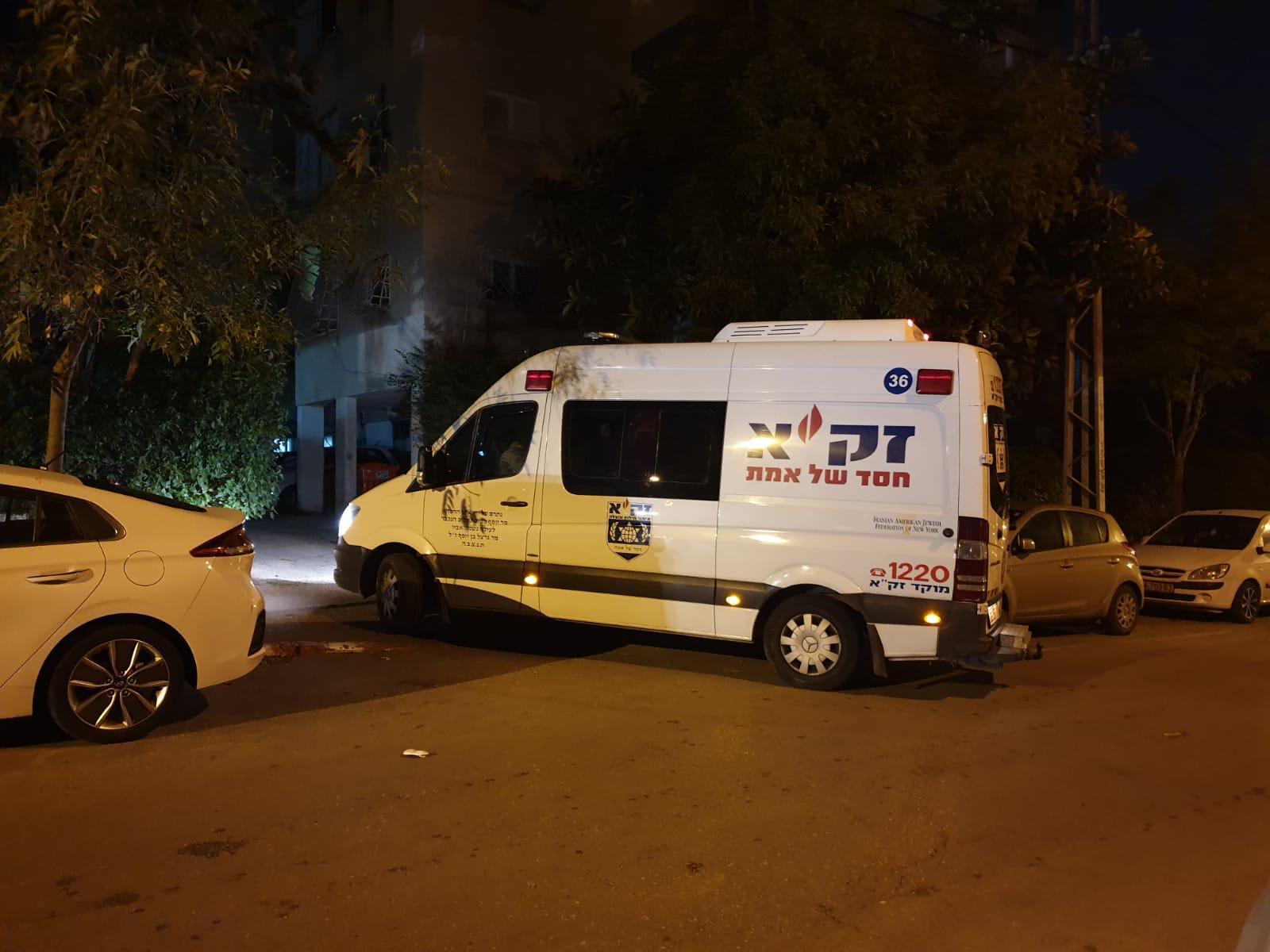 "Photo of ישראל 2020: שוב קשיש ערירי נמצא במצב ריקבון בפ""ת. ""נפל בביתו, שכב כך ימים בלי שאיש ישים לב עד שמת מוות אכזרי"""