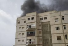 Photo of שריפה גדולה בבניין רב קומות ברחוב רימלט 8 ברמת גן. עשן סמיך בכל האיזור