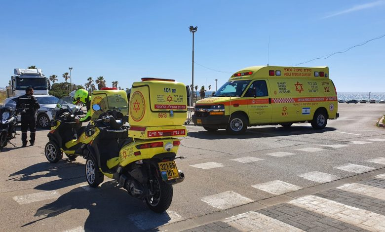 Photo of תאונה שכזאת: בן 23 נפצע באורח בינוני בראשו לאחר שהתנגש ב..עמוד בחוף הצוק בתל אביב