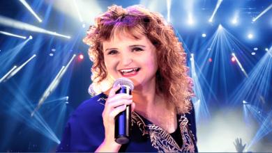 Photo of שירים במזוודה: החלה לשיר בגיל 12, הופיעה בפני 4 נשיאים- נבון, הרצוג, פרס וסאדאת וכעת יוצאת במופע ייחודי משלה