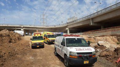 "Photo of טרגדיה באתר בנייה בבני ברק: פועל בן 35 נדרס למוות על ידי טרקטור ברחוב לח""י"