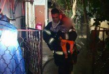 """Photo of לוחמי האש חילצו הלילה מספר דיירים שנלכדו בדירה שעלתה באש ברחוב רש""""י בבני ברק"""