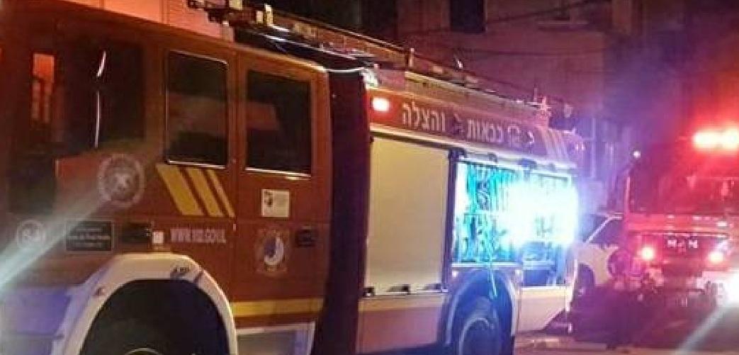 Photo of חשד להצתת רכב בחולון: רכבים נוספים וגדר גן ילדים נשרפו כתוצאה מהתפשטות האש