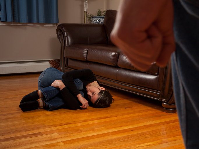 Photo of עובד מחדרה במעון לחוסים בחולון נעצר לאחר שהכה ונהג באלימות כלפי חסר ישע