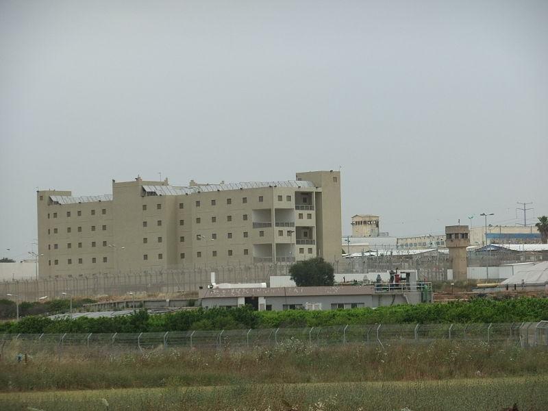 Photo of דרמה בכלא רימונים: שריפה פרצה במקום, שלושה אסירים במצב קשה מאוד עוד אסירים פצועים