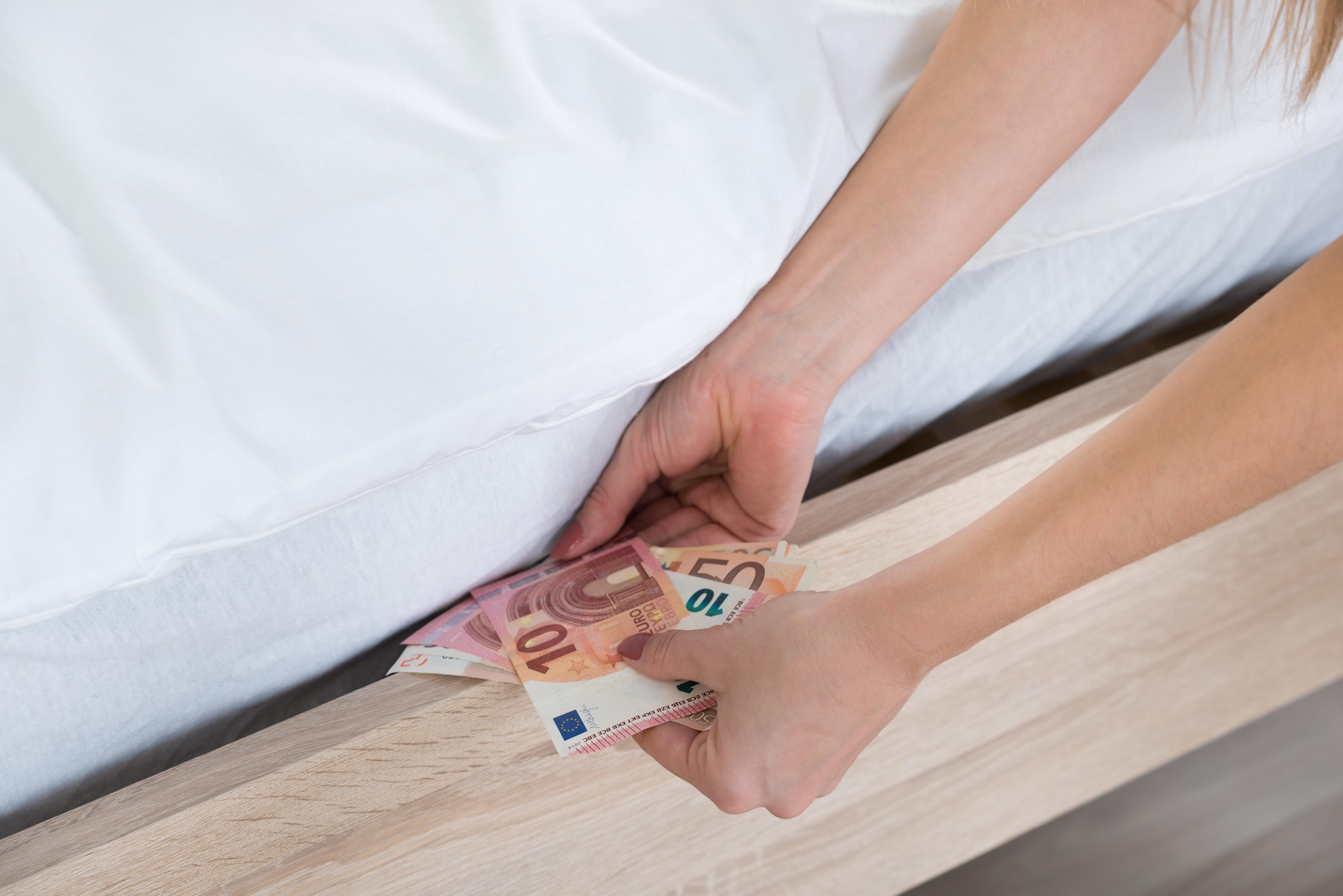 "Photo of נעצר תושב קיסריה ש""שכח"" לדווח על הכנסות של 10 מיליון שקל ועל חשבונות בחו""ל בסך 112 מיליון שקל"