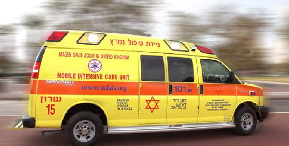 Photo of פעולות חילוץ והחייאה בנהג משאית שאיבד הכרה על רקע לבבי, תוך נהיגה ברחוב התאנה בחריש