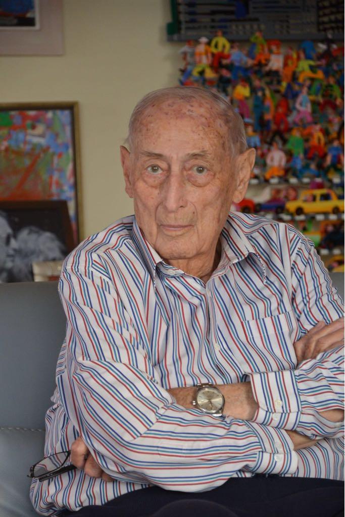 "Photo of מבכירי עורכי הדין בנדל""ן והיזם, אייבי נאמן, הלך לעולמו בגיל 85"