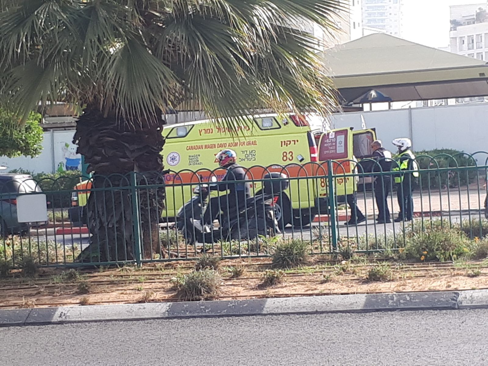 "Photo of תאונה קשה בדרך זבולון המר בפ""ת. רוכב קורקינט נפגע באורח קשה"