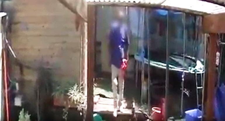 Photo of צפו: בן 54 פרץ לדירה ברחוב אלישבע בכפר סבא וגנב רכוש רב. המצלמות הביאו ללכידתו