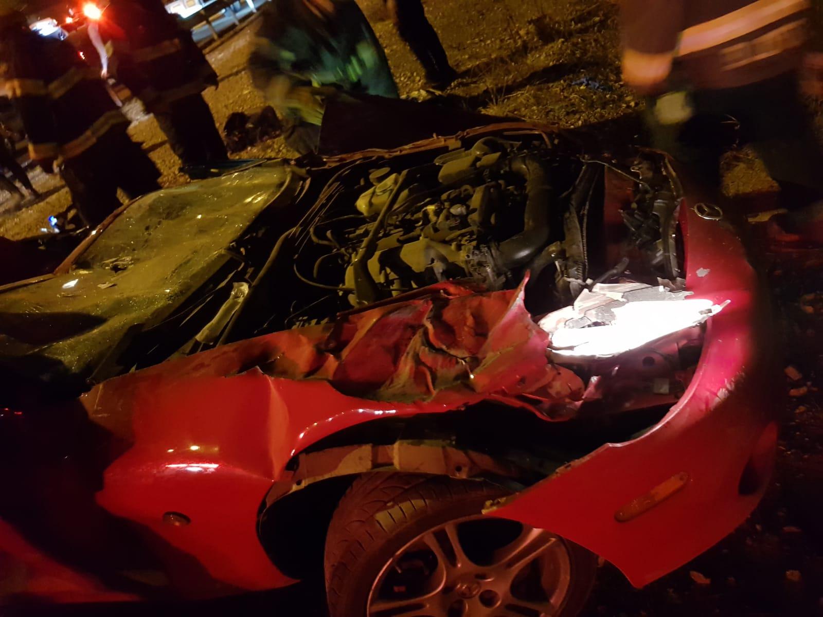 Photo of תאונה קשה במחלף נתניה כביש 2. הנהג בן ה-30 נותר לכוד מעוצמת ההתנגשות, מצבו קשה