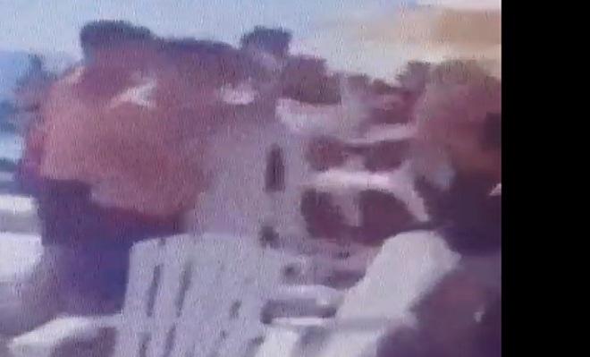 "Photo of צפו: אלימות קשה בבריכת מלון ""ווסט לגון"" בנתניה, והכל בגלל מקום ליד הבריכה. שוב חוזרות תמונות מוכרות"