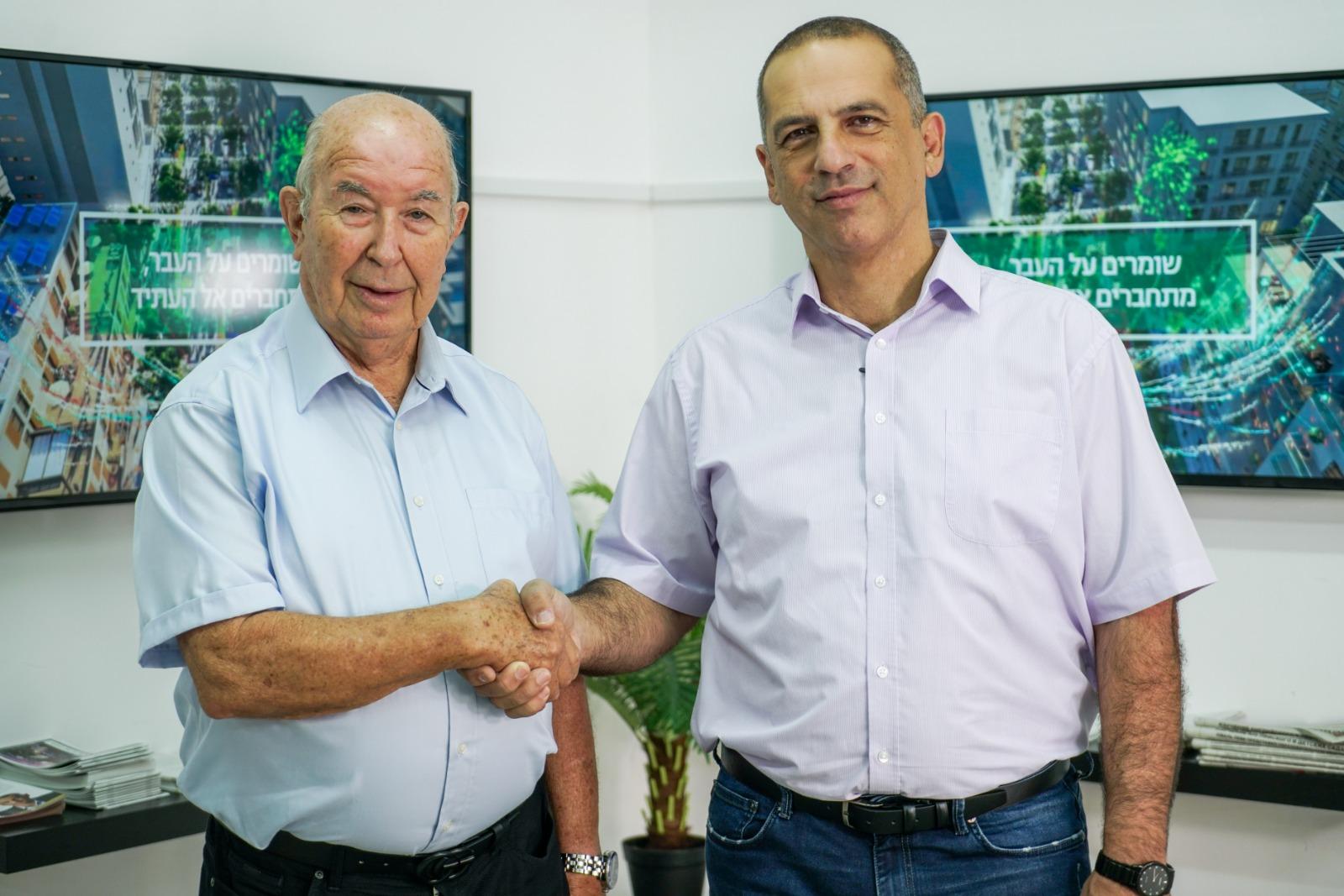 Photo of ותיקי כפר סבא בוחרים יובל לוי – יואל קרול, סגן ראש העירייה לשעבר, מביע את תמיכתו ביובל לוי