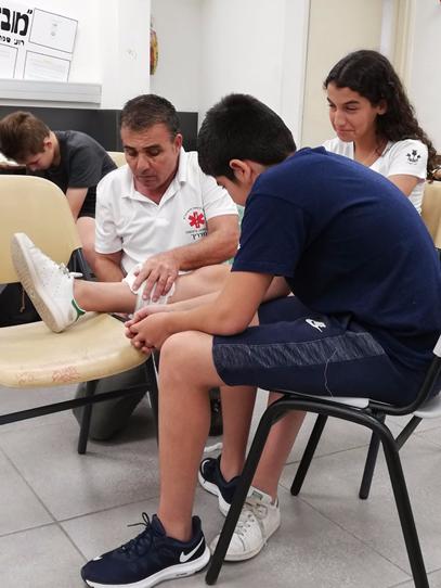 Photo of עזרה ראשונה והצלת חיים כבר מחטיבת הביניים