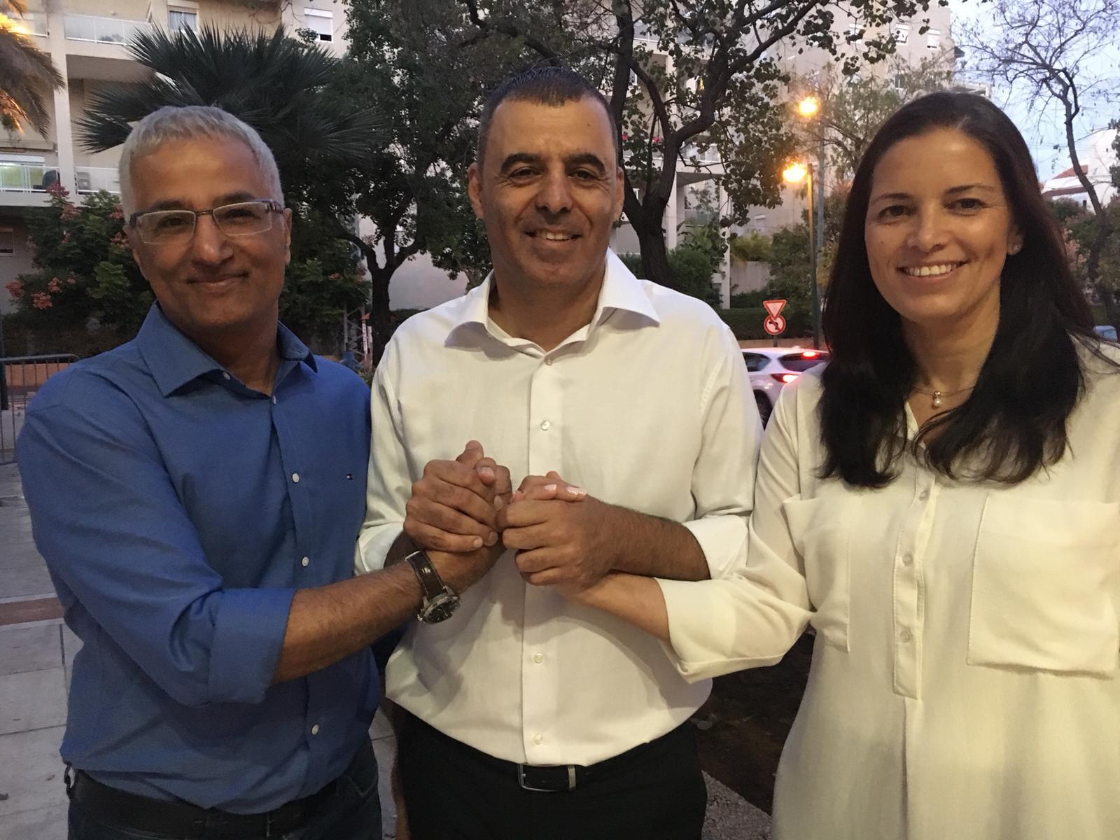 Photo of יאיר אברהם, יו״ר סיעת ״קול החינוך״, תומך ברפי סער לראשות העירייה