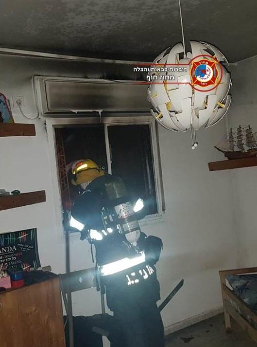 Photo of פרגולה של מבנה בבית אליעזר עלתה האש בלילה, בסמוך לחדר הילדים. בנס האירוע נגמר ללא נפגעים